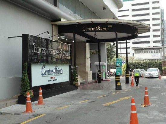 Centre Point Hotel Silom : main entrance