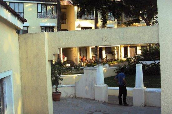 Goa - Club Estadia, A Sterling Holidays Resort: grounds