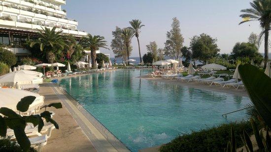 Grecian Sands Hotel : Бассейн