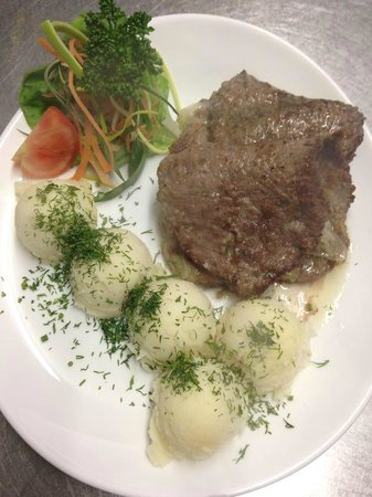 My Place: beef cutlets with mashed potatoes