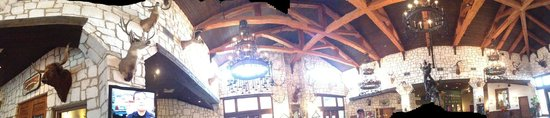 Y O Ranch Hotel & Conference Center: Panoramic of Lobby