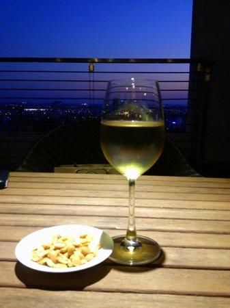 Hotel Nikko Saigon: Evening drink on the Club Lounge