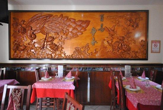 Ristorante Hong Kong: decorato da artisti orientali