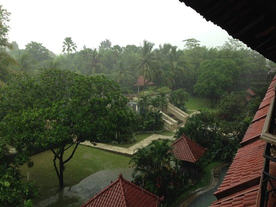 Sheraton Mustika Yogyakarta Resort and Spa: Pemandangan dari Balkon