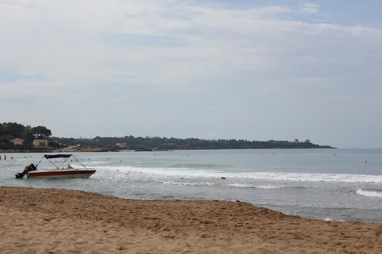 Aldemar Olympian Village: Пляж