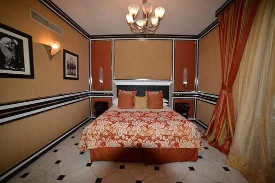 Baglioni Hotel Regina: pics of the junior suite
