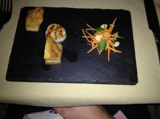 The Station Hotel : Pork belly and Scallop