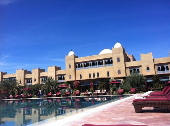 Sahara Palace Marrakech : View of the hotel grounds