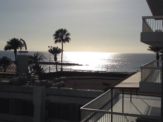 Palm Beach Tenerife: Vistas desde la terraza
