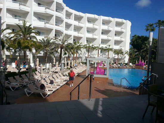 Hotel Riu Don Miguel: Hotel con la piscina