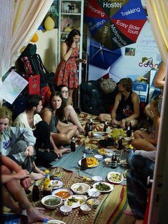 Dalat Family Hostel: Met zn allen eten in het hostel