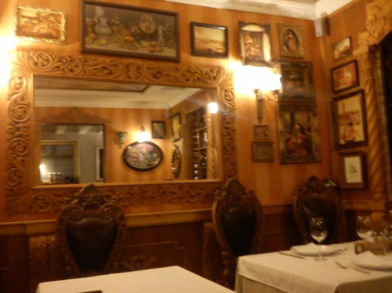 Ottimo: mirror at the restaurant
