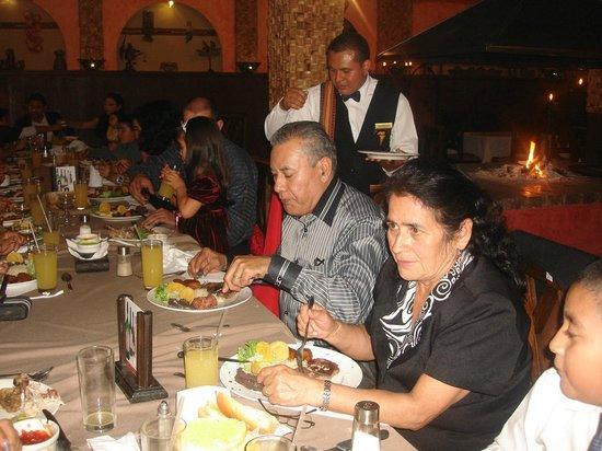 Restaurante Las Antorchas: cena familia