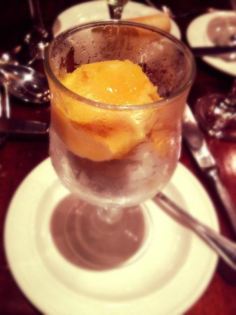 Brooks Restaurant: Duo of Champagne & Passion Fruit Sorbet