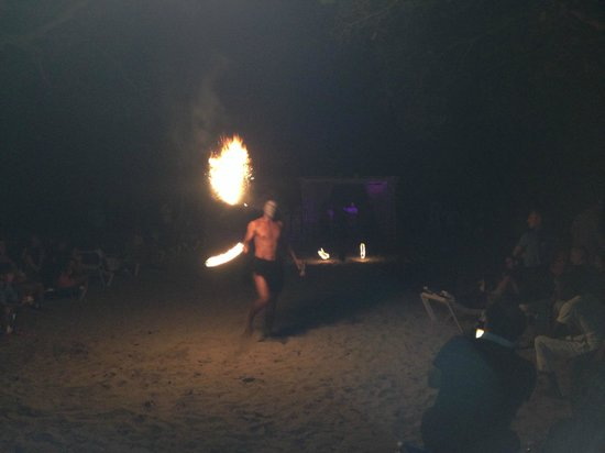 Be Live Collection Marien: Entertainment-- Fire Breathers