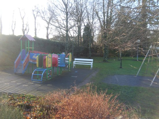 Newpark Hotel: Playground area