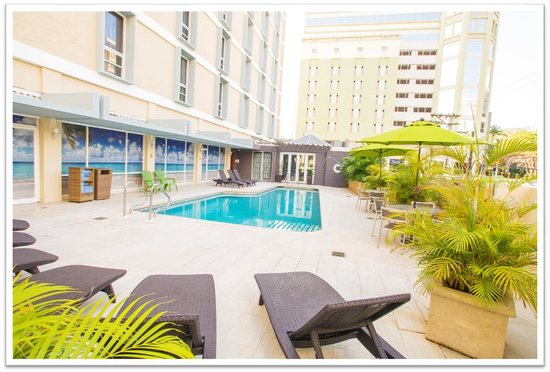 Courtyard San Juan Miramar: Pool