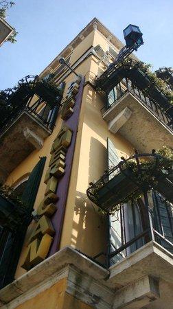 Hotel American Dinesen : Hôtel, balcons et webcam de leur site internet !