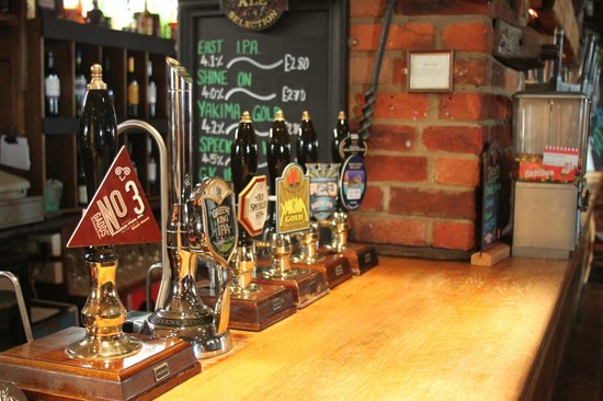 Churchill Tavern: Real Ales