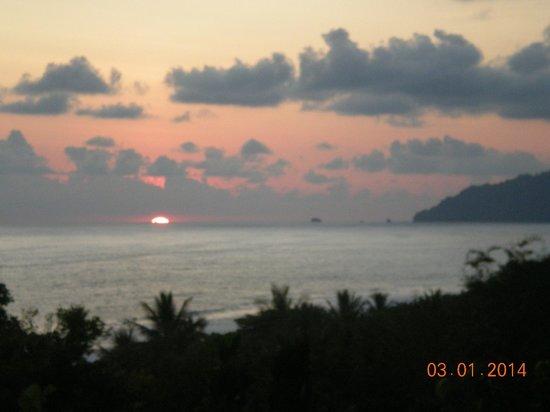 Lookout Inn Lodge : sunset