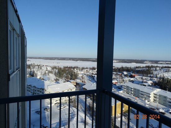 Coast Fraser Tower : Balcony view