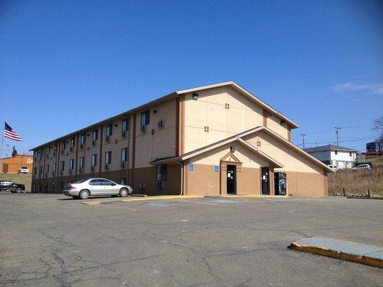 Photo of Super 8 Motel St. Clairsville Saint Clairsville