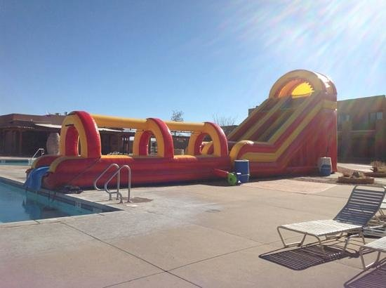 Hyatt Regency Tamaya Resort & Spa: slide at the kids' pool