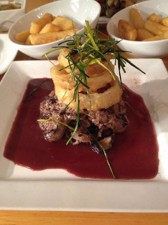 McGonagall's Steakhouse: Venison steak