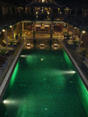 Ruean Thai Hotel : piscina