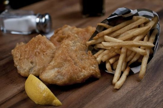 Austin's American Grill: Great Lakes Walleye, Fish and Chips