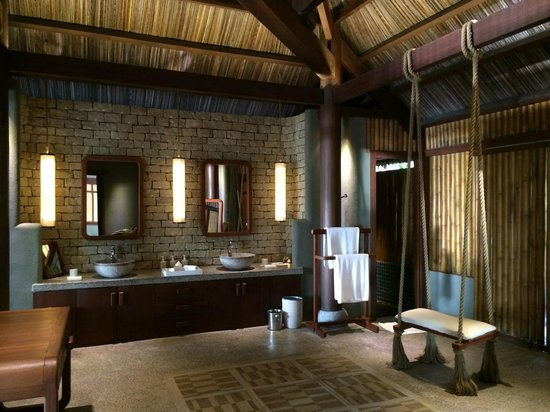 L'Alyana Ninh Van Bay: Bathroom