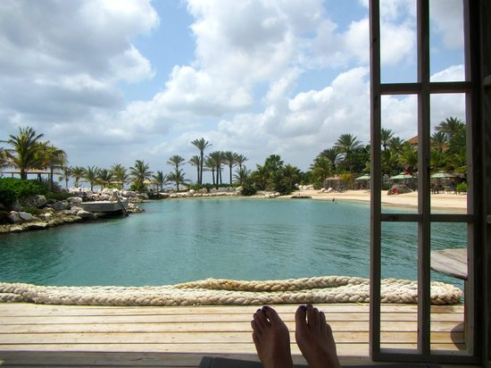 Baoase Luxury Resort: Relaxing in a gazebo