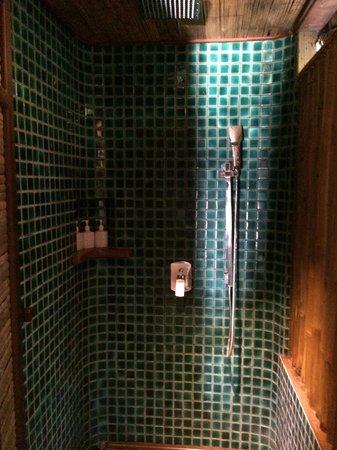 L'Alyana Villas Ninh Van Bay: Shower