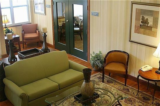 Country Inn & Suites By Carlson, Ithaca: Comfortable Lobby