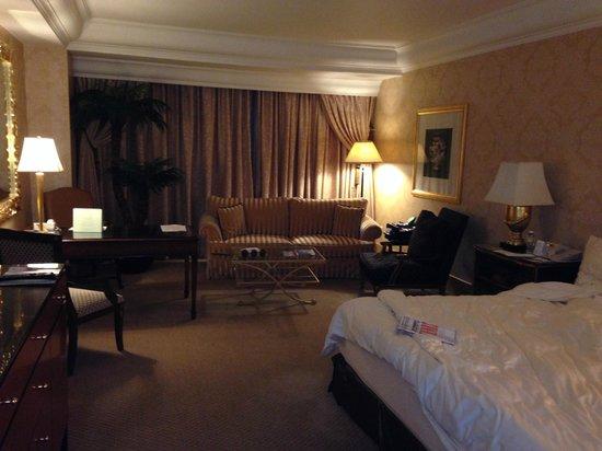 Hotel Mulia Senayan, Jakarta : The room