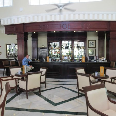 Luxury Bahia Principe Ambar Blue Don Pablo Collection: Lobby bar
