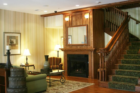 Country Inn & Suites By Carlson, Ithaca: Comfrtable Lobby
