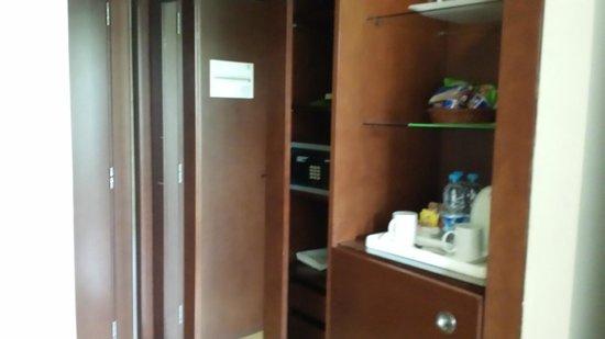Holiday Inn Riyadh Izdihar : entrance