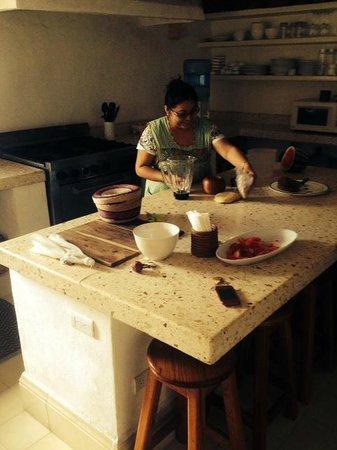 Hotel Posada San Juan: Kitchen