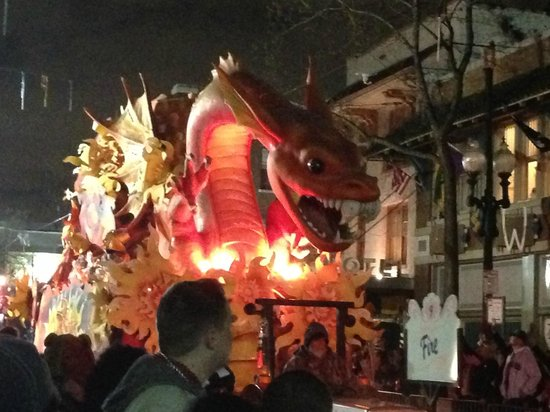 House of the Rising Sun Bed and Breakfast: Mardi Gras Parade