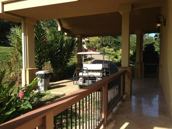 Red Frog Beach Island Resort & Spa: Villas have a driveway, parking spot, and charger for your golf cart