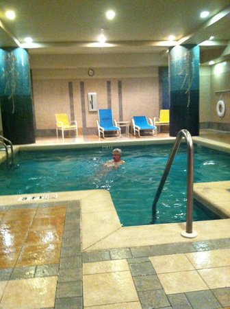 Emerald Grande at HarborWalk Village: Indoor Pool