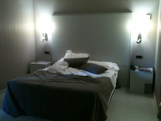 Hotel Isla Mallorca & Spa : Chambre- Lit