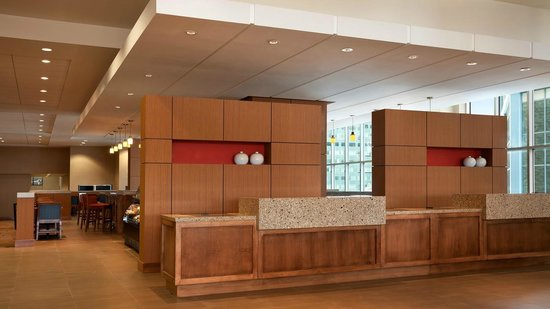 hyatt place minneapolis downtown updated 2018 hotel. Black Bedroom Furniture Sets. Home Design Ideas