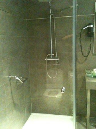 Hotel Isla Mallorca & Spa: Salle de bain-Douche