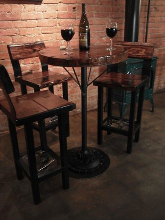Jack Sprats Restaurant: Great new tables and chairs from Velarosa Design!