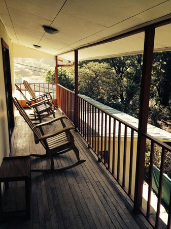 Mar Inn Bed & Breakfast : Porch with a view to the town