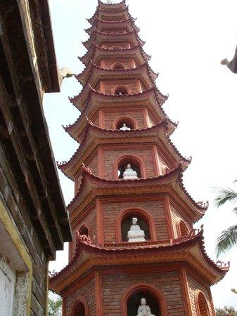 Chua Tran Quoc : 6-sided brick tower at Tran Quoc-pagoda
