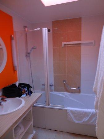 Center Parcs les Hauts de Bruyeres : salle de bain