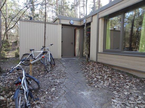 Center Parcs les Hauts de Bruyeres : entrée cottage
